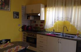 2 Bedroom Maisonette by the Sea - 24