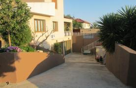 Spacious 5 Bedroom Villa in Potamos Germasogeia - 40