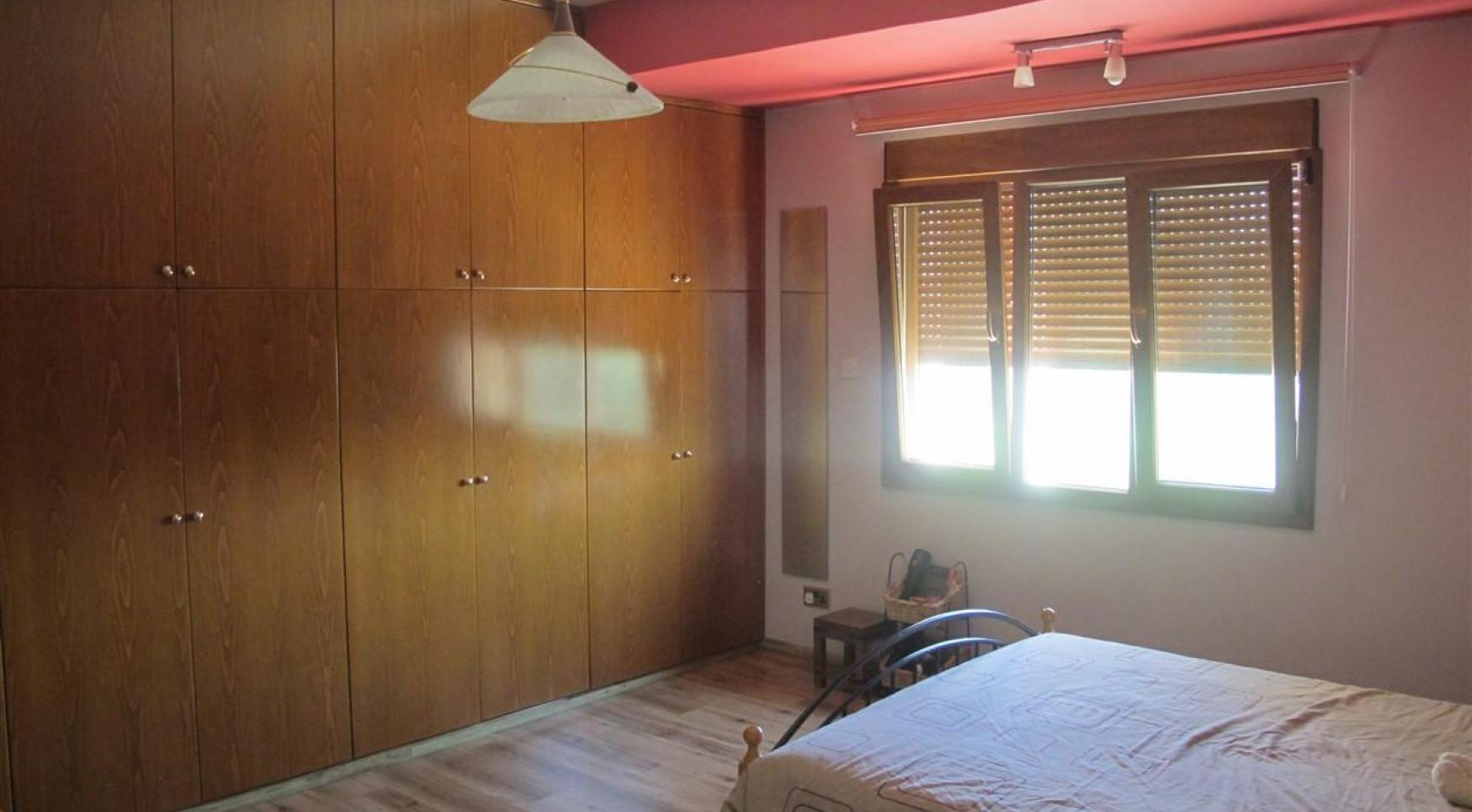 Spacious 5 Bedroom Villa in Potamos Germasogeia - 19