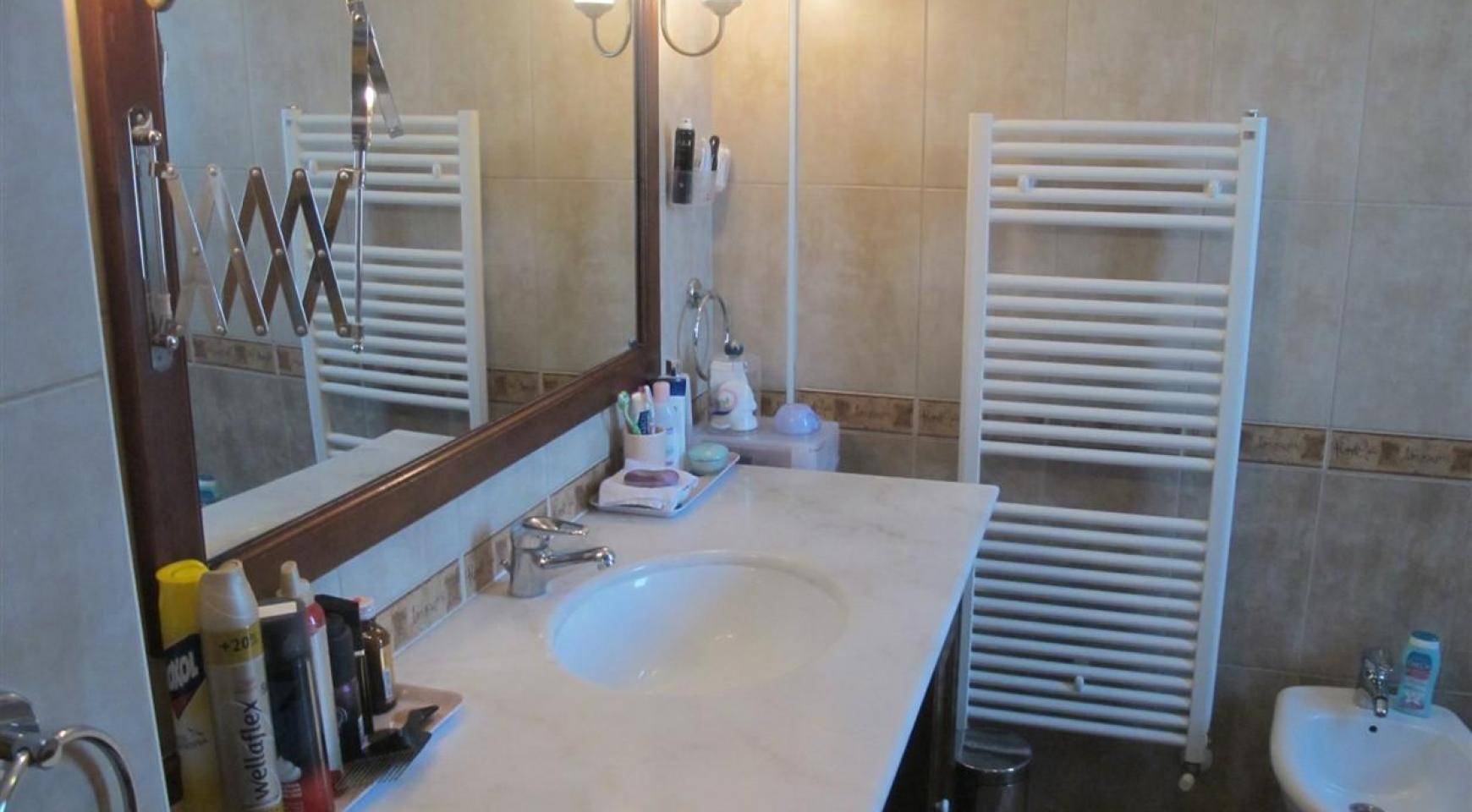 Spacious 5 Bedroom Villa in Potamos Germasogeia - 22