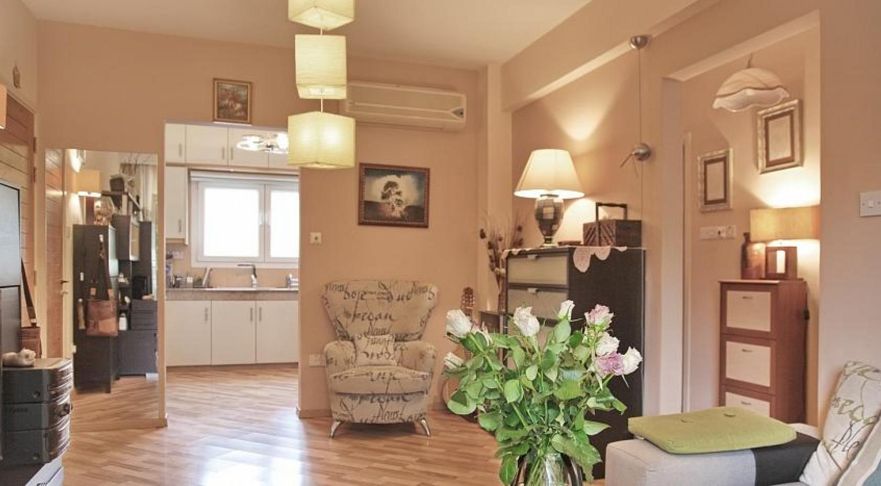 2 Bedroom Apartment with Private Garden - 2
