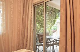 2 Bedroom Apartment with Private Garden - 26