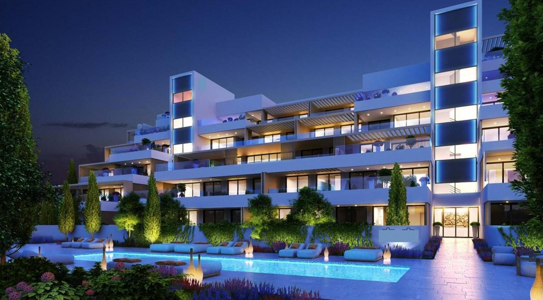 Luxurious Modern 4 Bedroom Apartment in Panthea Area - 2