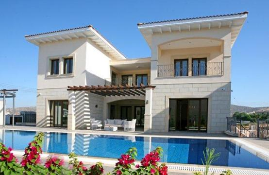Spacious Luxury 5 Bedroom Villa in Kalogiri Area