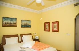 Spacious 3 Bedroom Apartment on the Seafront - 35