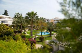 Beachfront Spacious 2 Bedroom Aparment  - 37