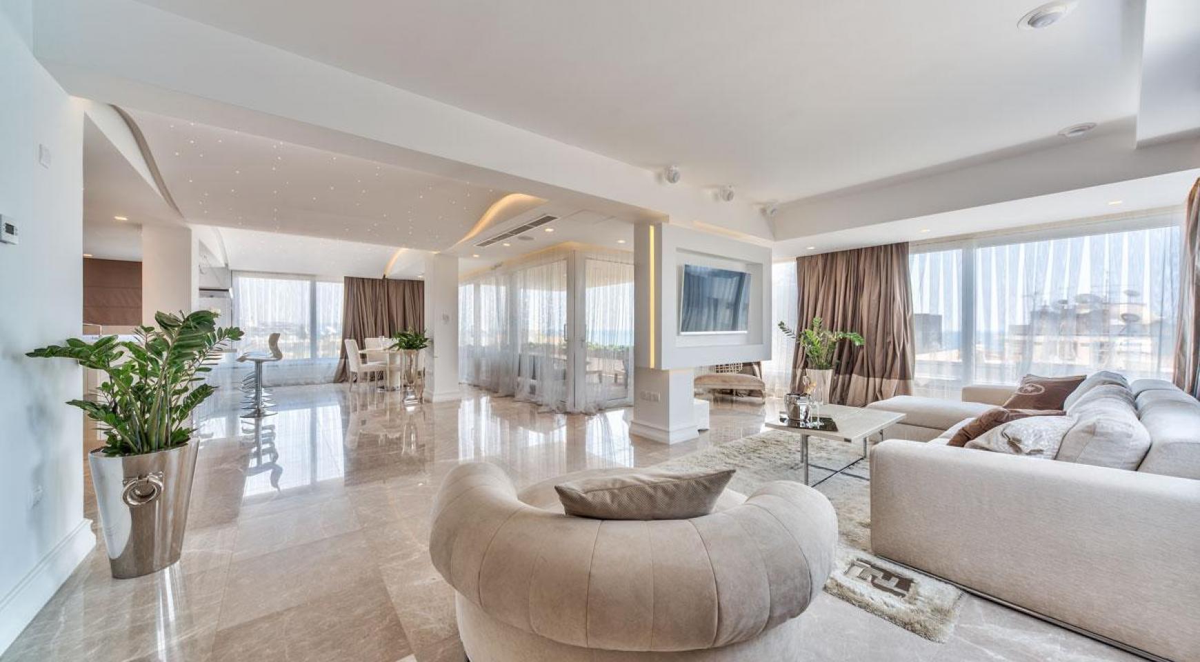 Malibu Residence. Contemporary 2 Bedroom Apartment 201 in Potamos Germasogeia - 9