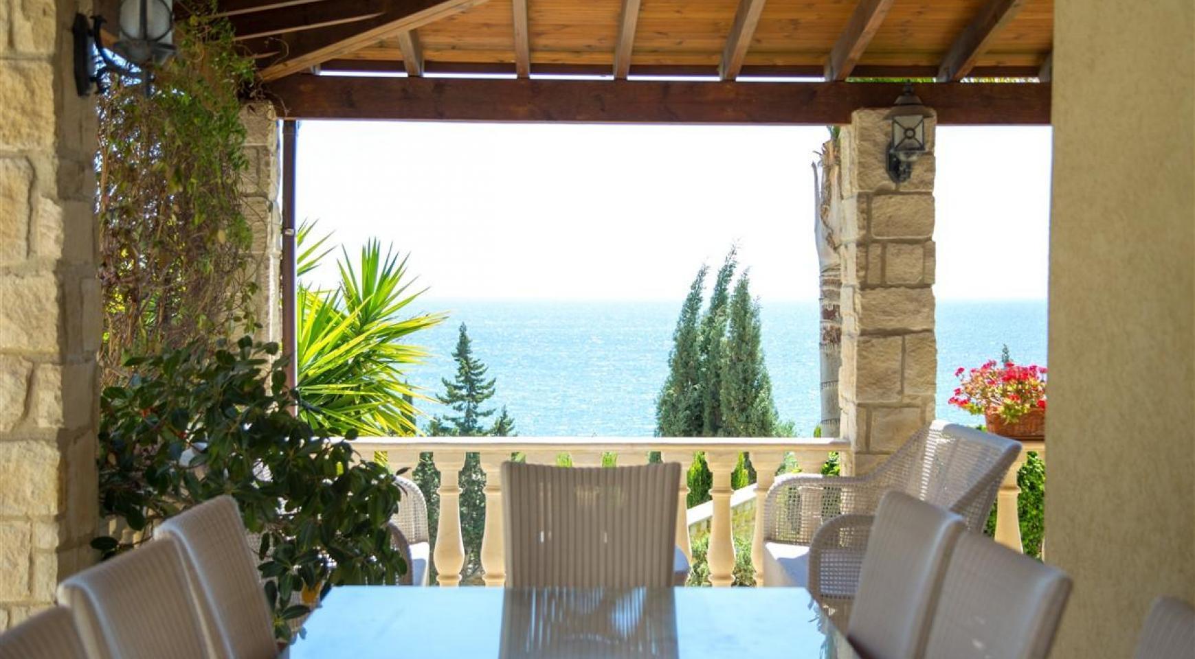 Unique 5 Bedroom Villa with Breathtaking Sea Views - 4