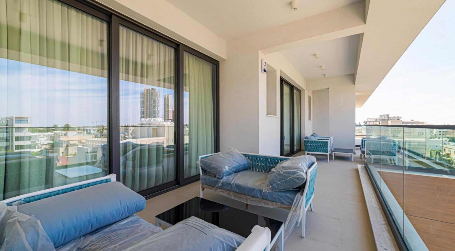 Malibu Residence. Luxury 3 Bedroom Penthouse 401 with Private Swimming Pool - 32