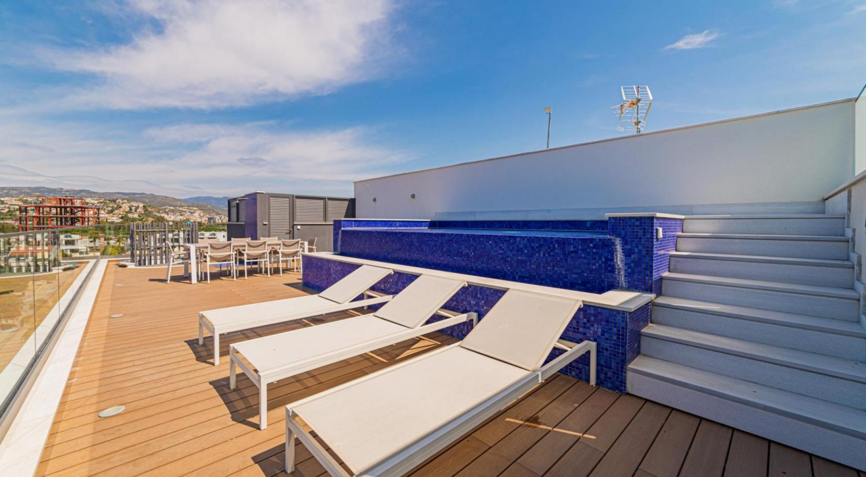 Malibu Residence. Luxury 3 Bedroom Penthouse 401 with Private Swimming Pool - 38