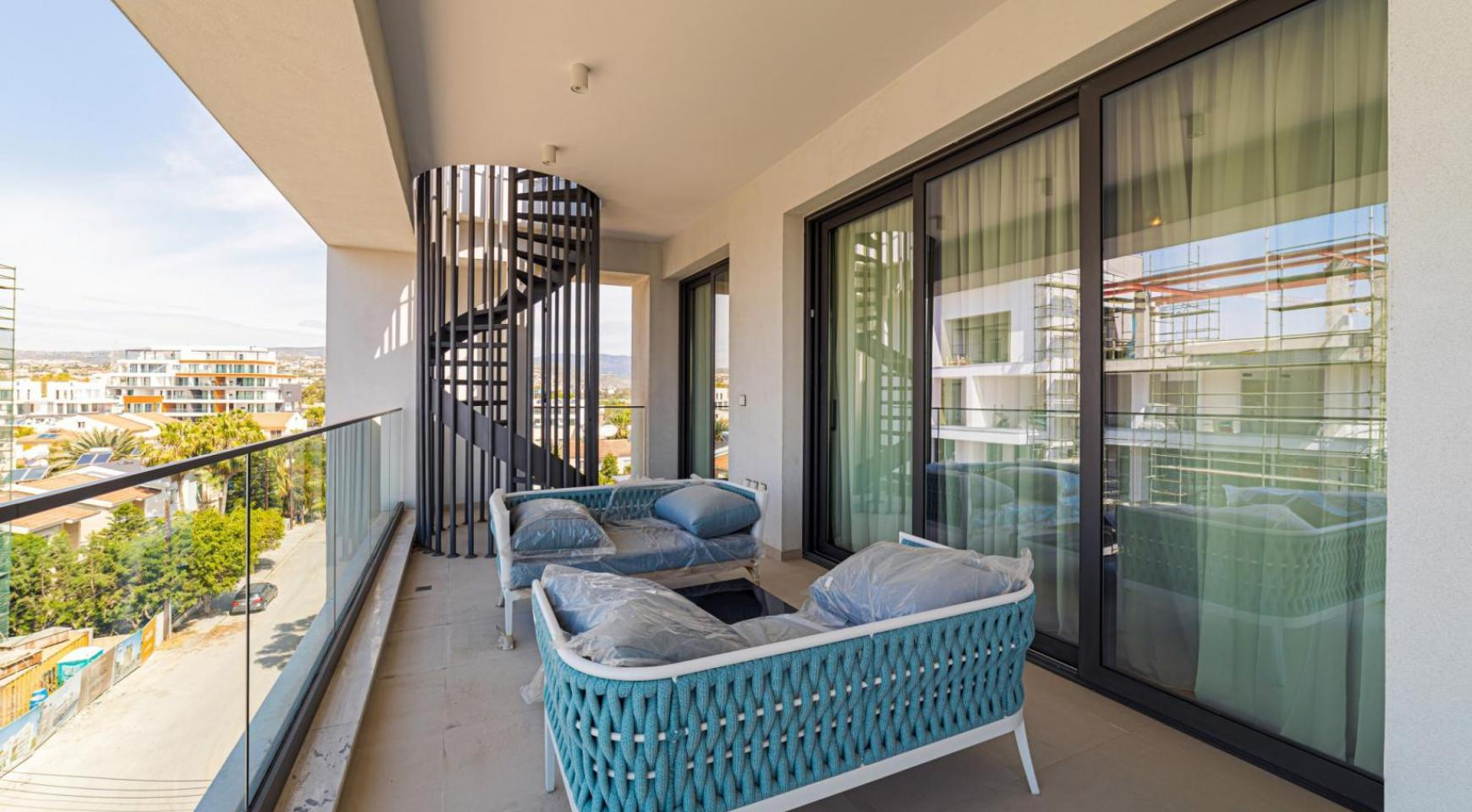 Malibu Residence. Luxury 3 Bedroom Penthouse 401 with Private Swimming Pool - 35