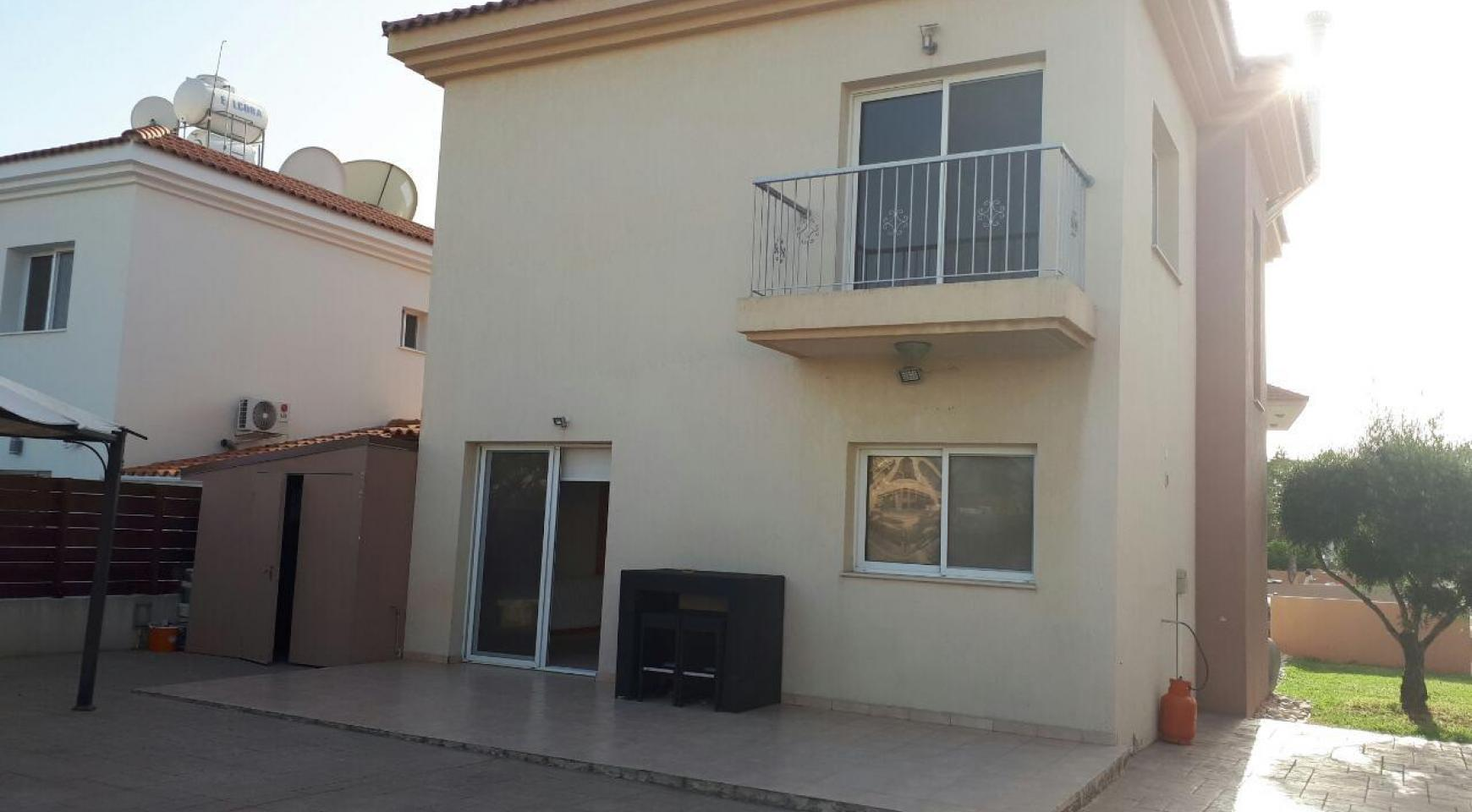 Spacious 3 Bedroom House in Kolossi - 2