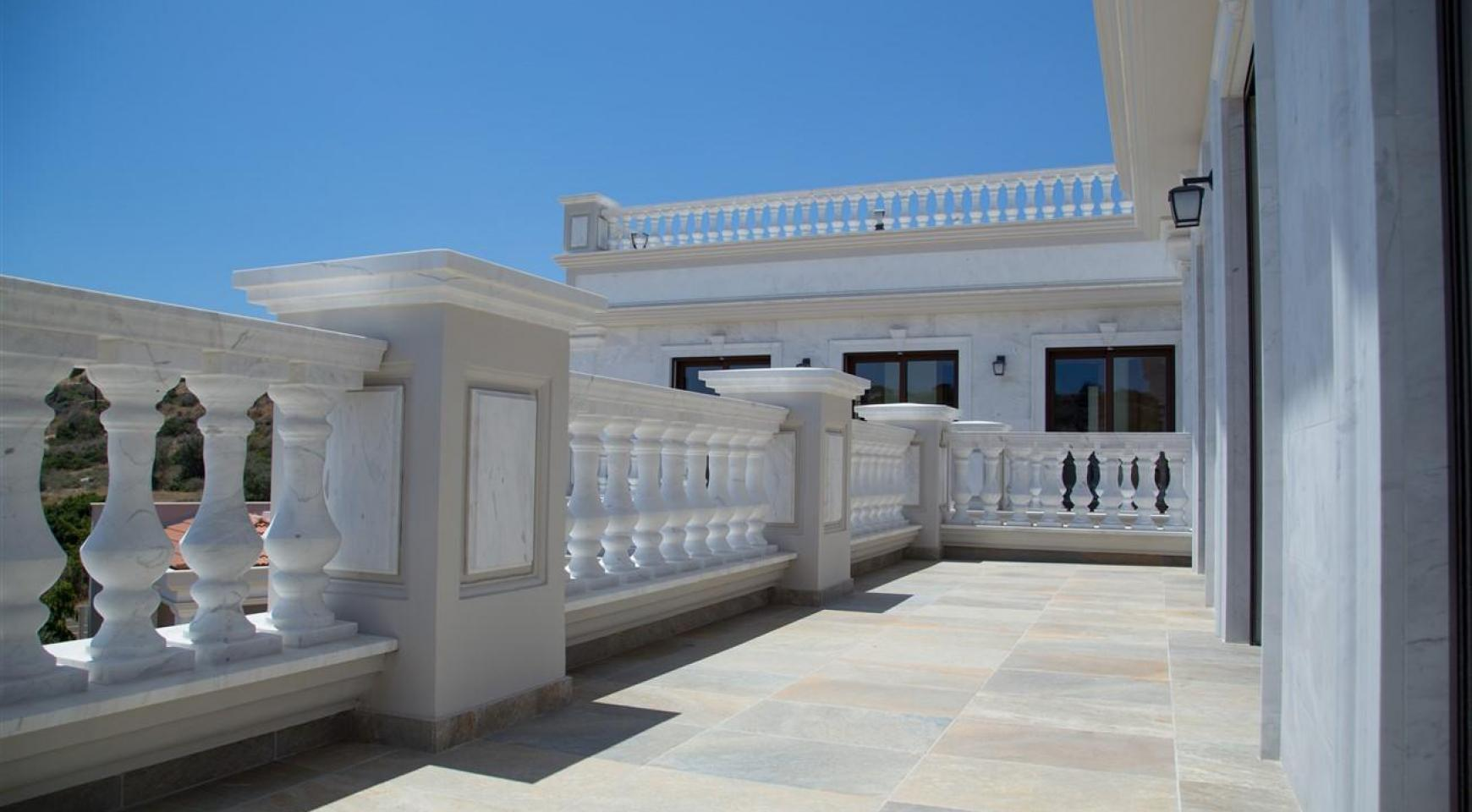 Exclusive 6 Bedroom Villa with Amazing Sea and Mountain Views - 40