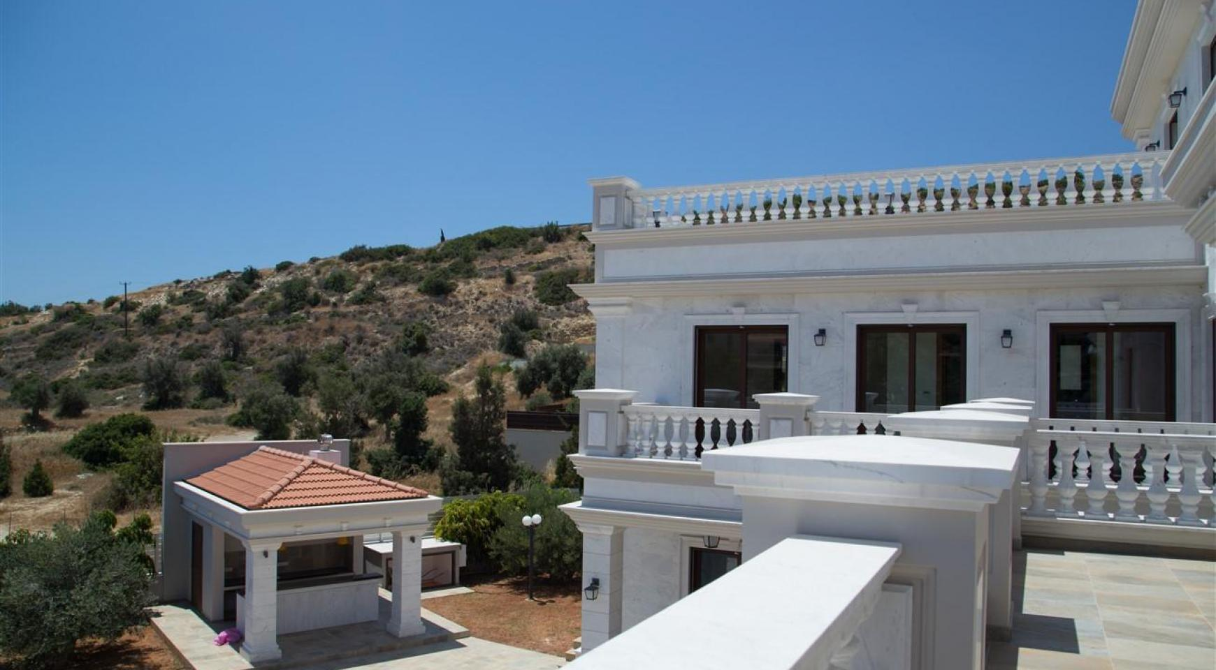 Exclusive 6 Bedroom Villa with Amazing Sea and Mountain Views - 37