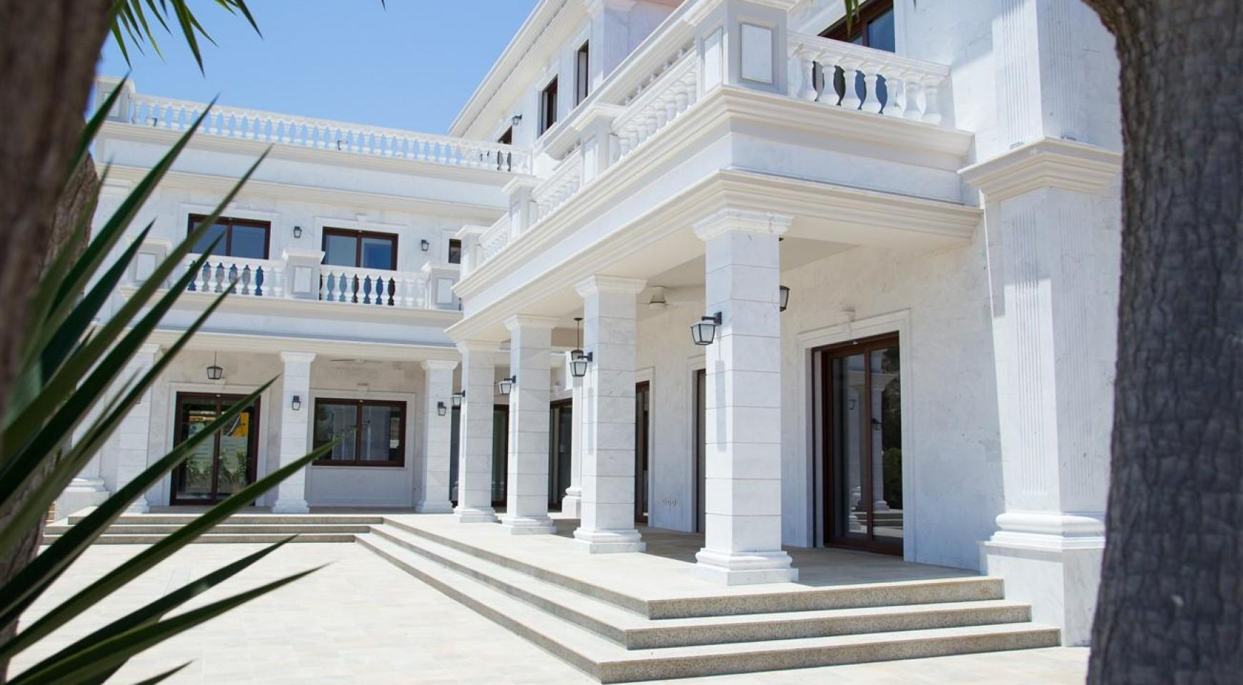 Exclusive 6 Bedroom Villa with Amazing Sea and Mountain Views - 2