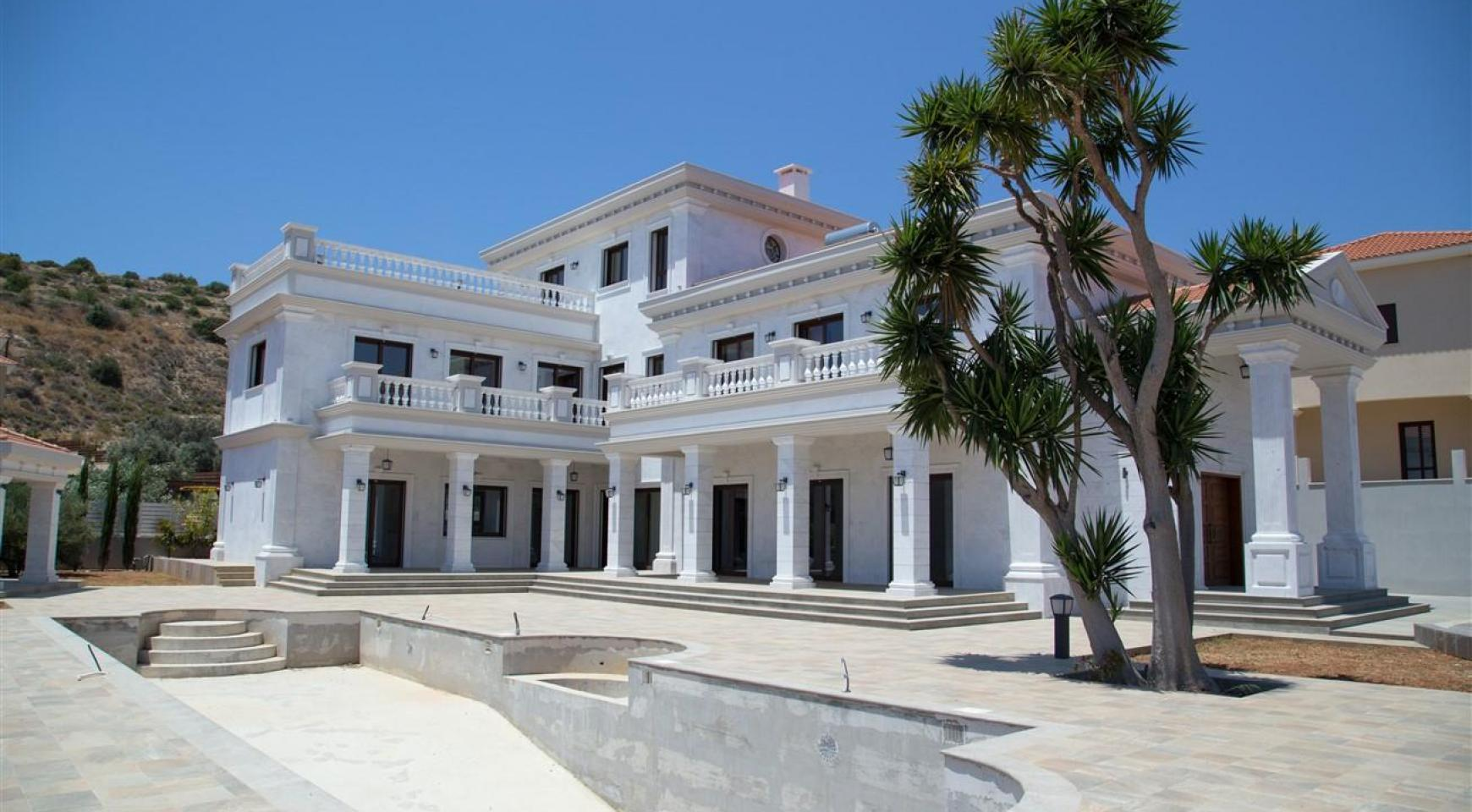 Exclusive 6 Bedroom Villa with Amazing Sea and Mountain Views - 49