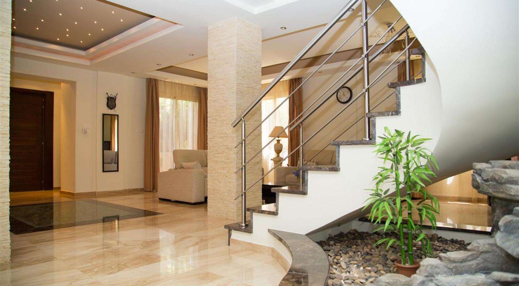 Luxurious 4 Bedroom Villa near the Sea - 2
