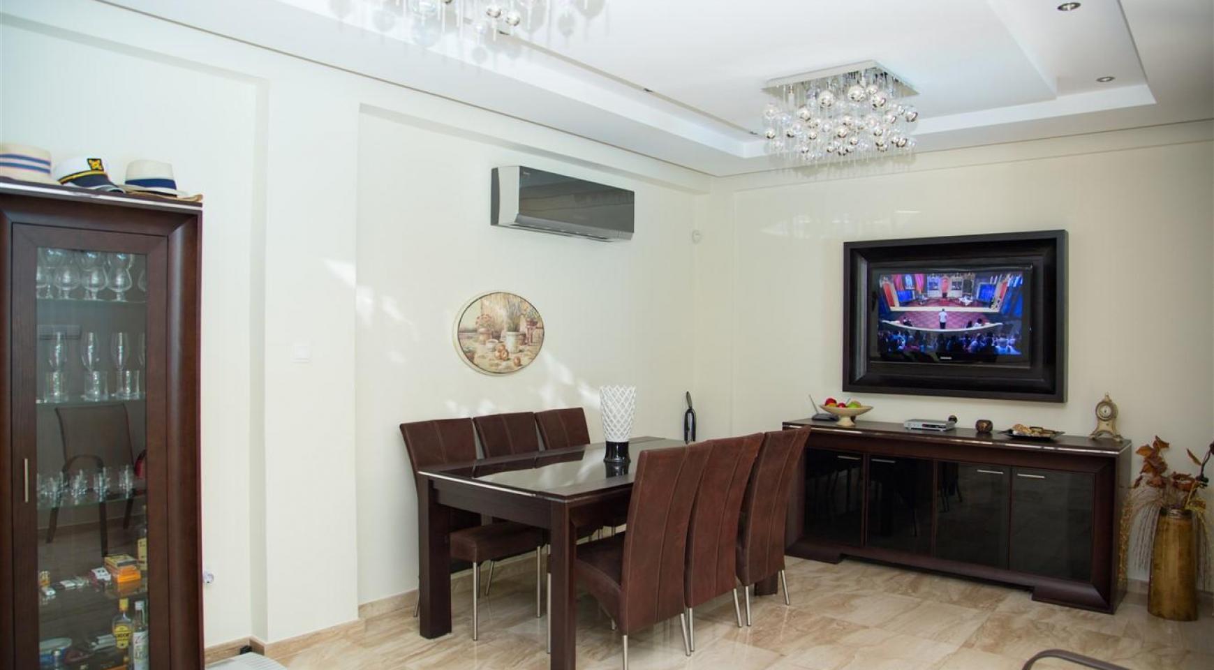 Luxurious 4 Bedroom Villa near the Sea - 11