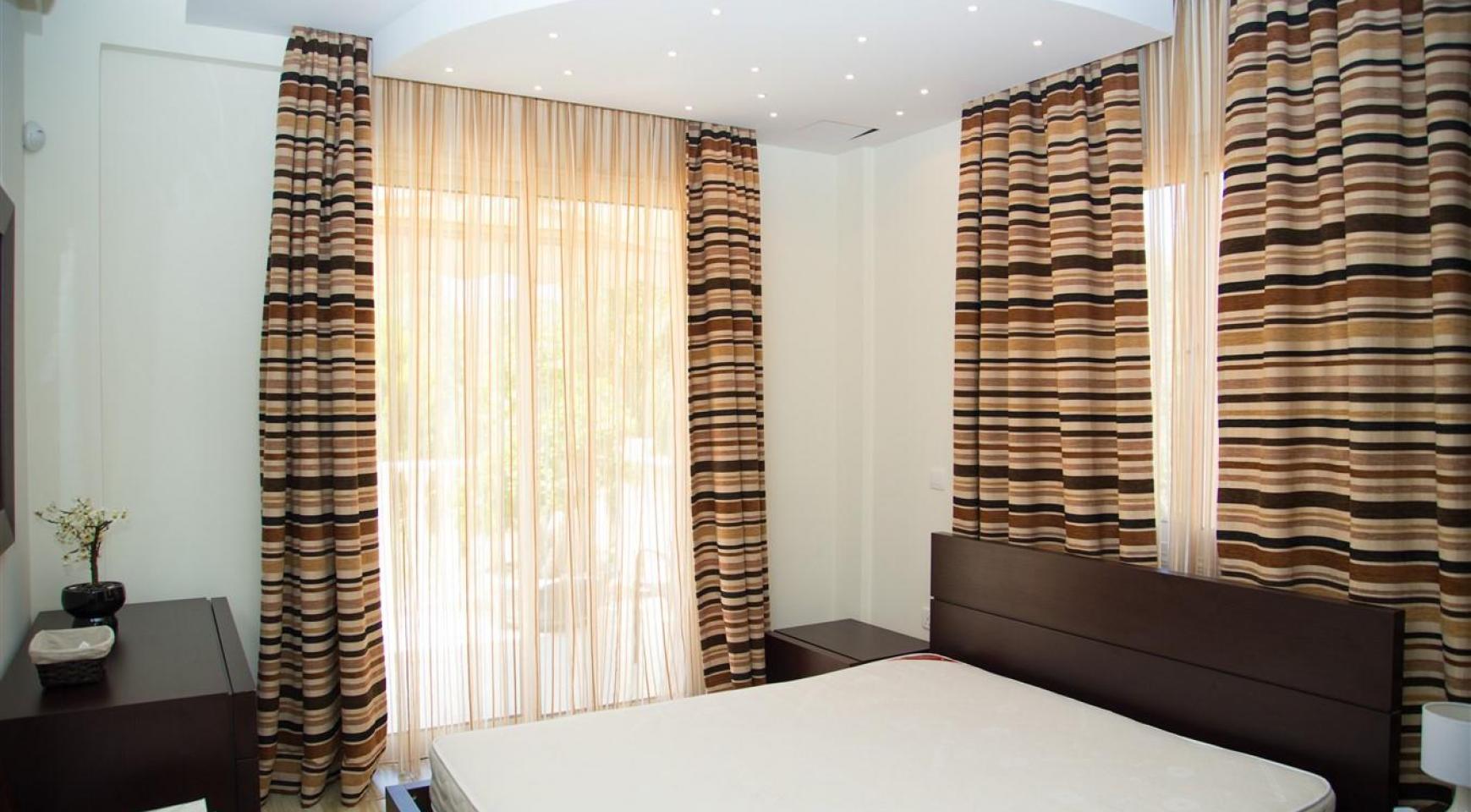 Luxurious 4 Bedroom Villa near the Sea - 25