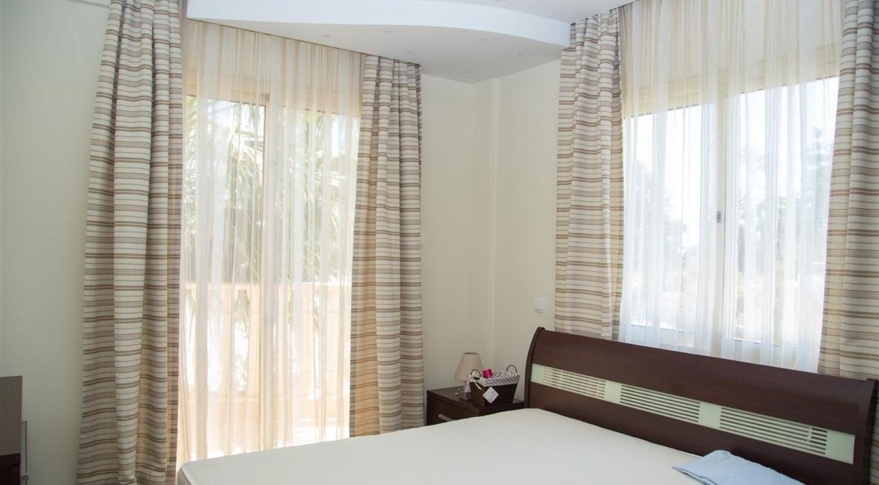 Luxurious 4 Bedroom Villa near the Sea - 26