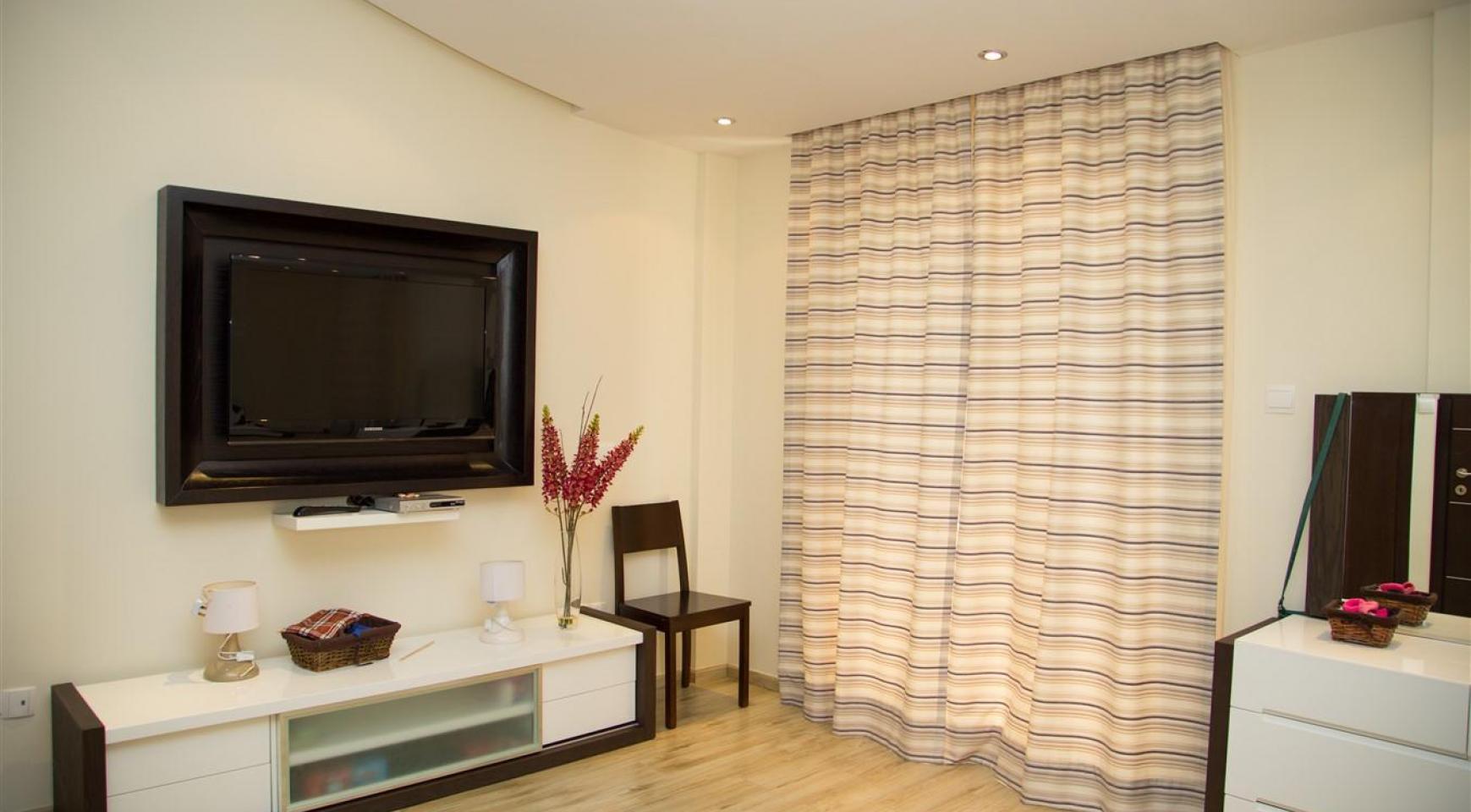 Luxurious 4 Bedroom Villa near the Sea - 19