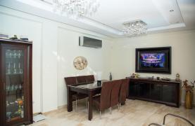 Luxurious 4 Bedroom Villa near the Sea - 58