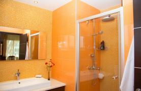 Luxurious 4 Bedroom Villa near the Sea - 77