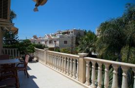Luxurious 4 Bedroom Villa near the Sea - 71