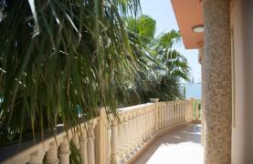 Luxurious 4 Bedroom Villa near the Sea - 67