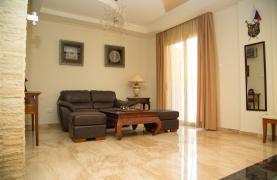 Luxurious 4 Bedroom Villa near the Sea - 61