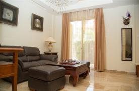 Luxurious 4 Bedroom Villa near the Sea - 52
