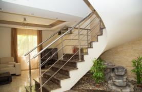 Luxurious 4 Bedroom Villa near the Sea - 54