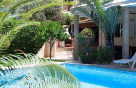 Luxurious 4 Bedroom Villa near the Sea - 91