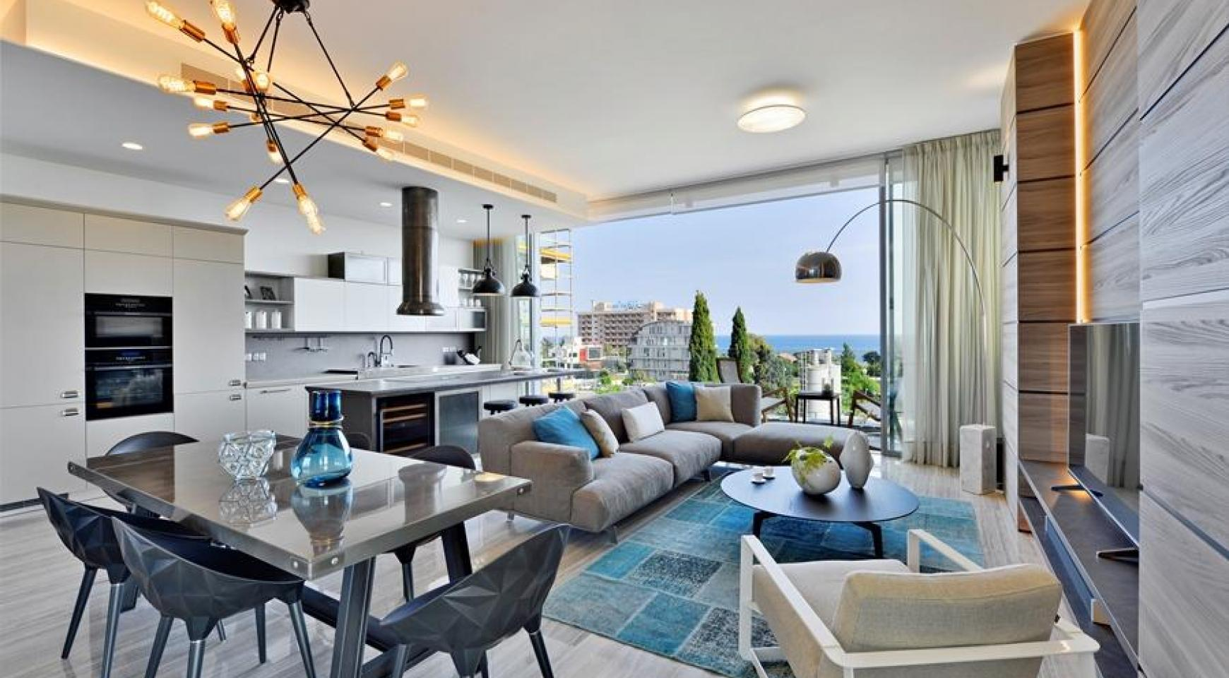 Luxurious Duplex Apartment with Private Roof Garden near the Sea - 1