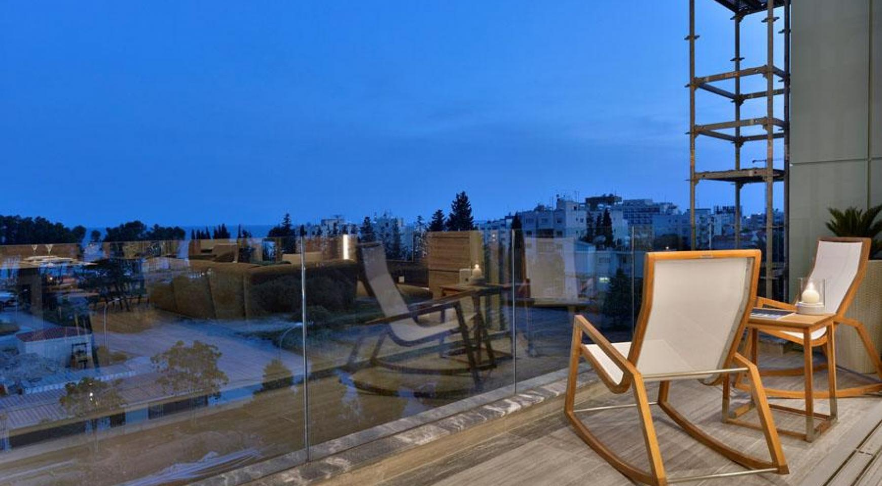 Luxury Duplex Penthouse with Private Roof Garden near the Sea - 14