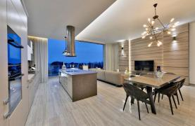 Luxury Duplex Penthouse with Private Roof Garden near the Sea - 53
