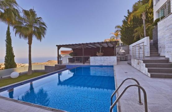 Elite 5 Bedroom Villa with Amazing Sea and Mountain Views in Agios Tychonas Area