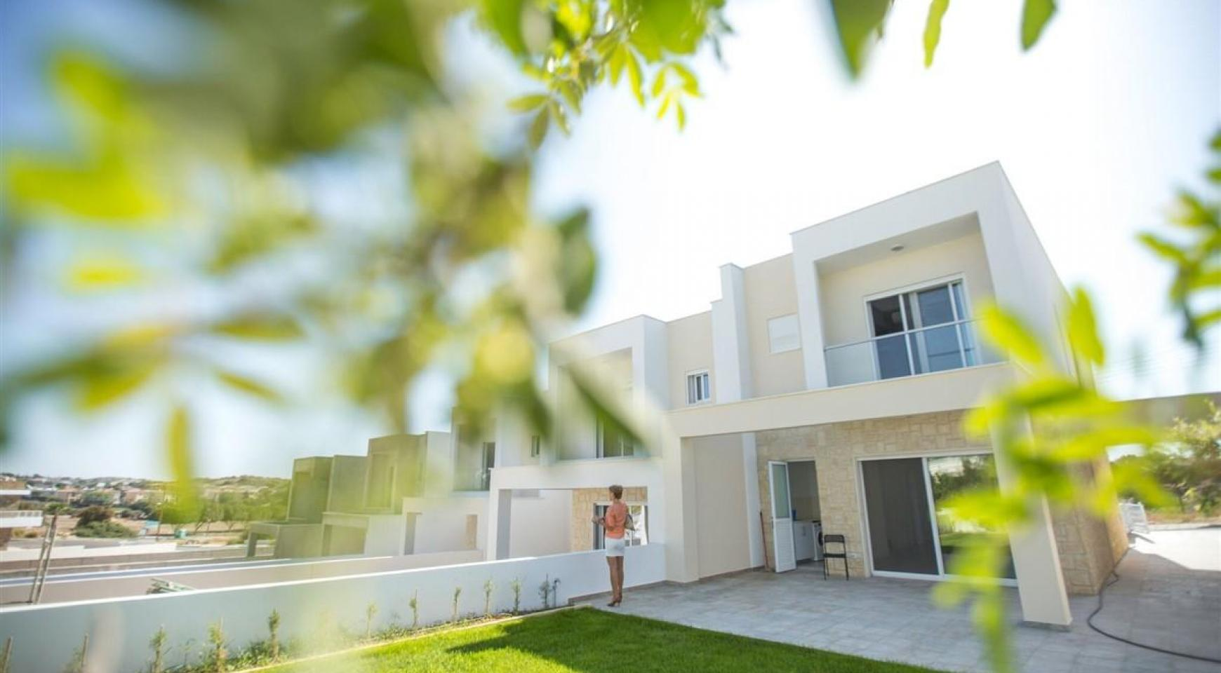 Modern 3 Bedroom Villa with Sea Views - 11