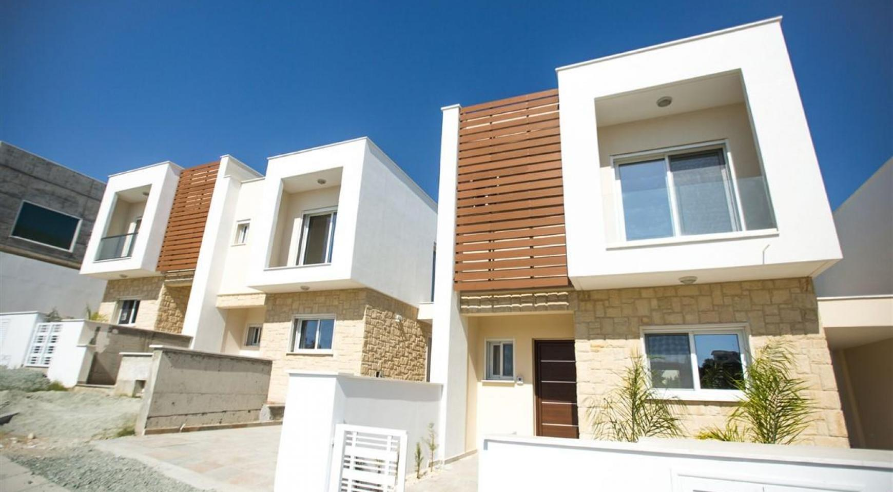 Modern 3 Bedroom Villa with Sea Views - 10