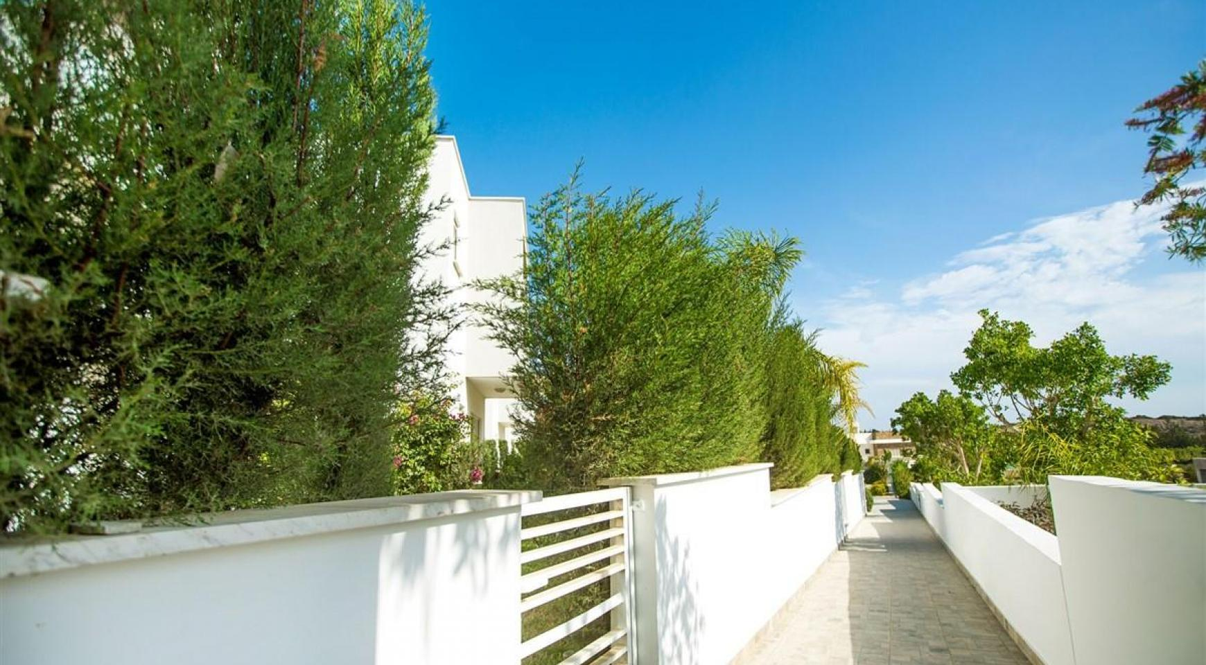 3 Bedroom Villa with Sea Views in Mouttagiaka - 6