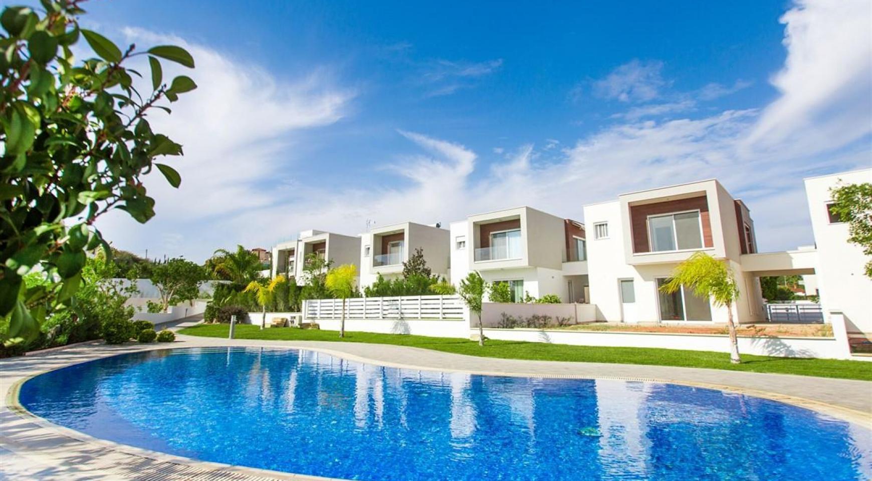 3 Bedroom Villa with Sea Views in Mouttagiaka - 3