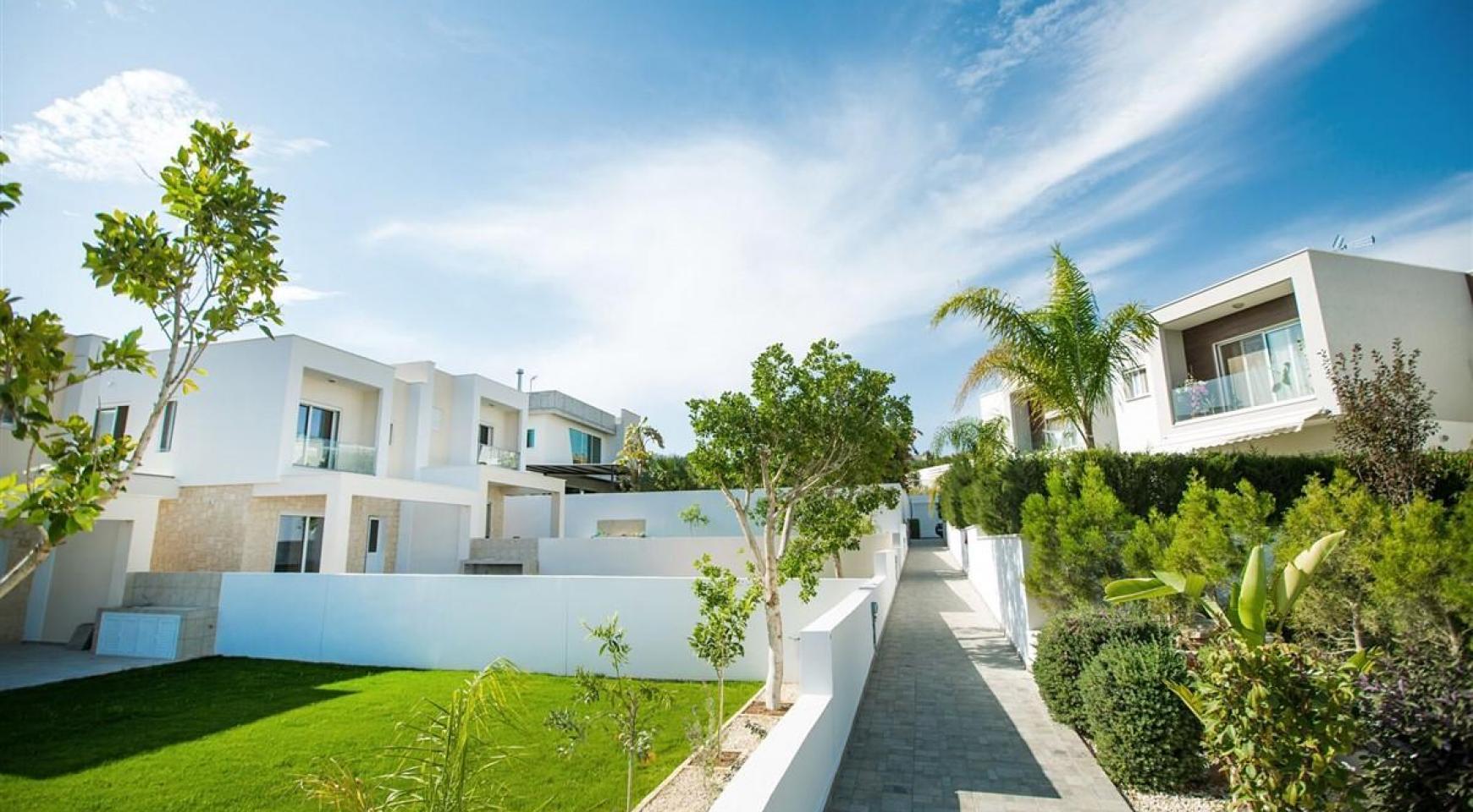 3 Bedroom Villa with Sea Views in Mouttagiaka - 5