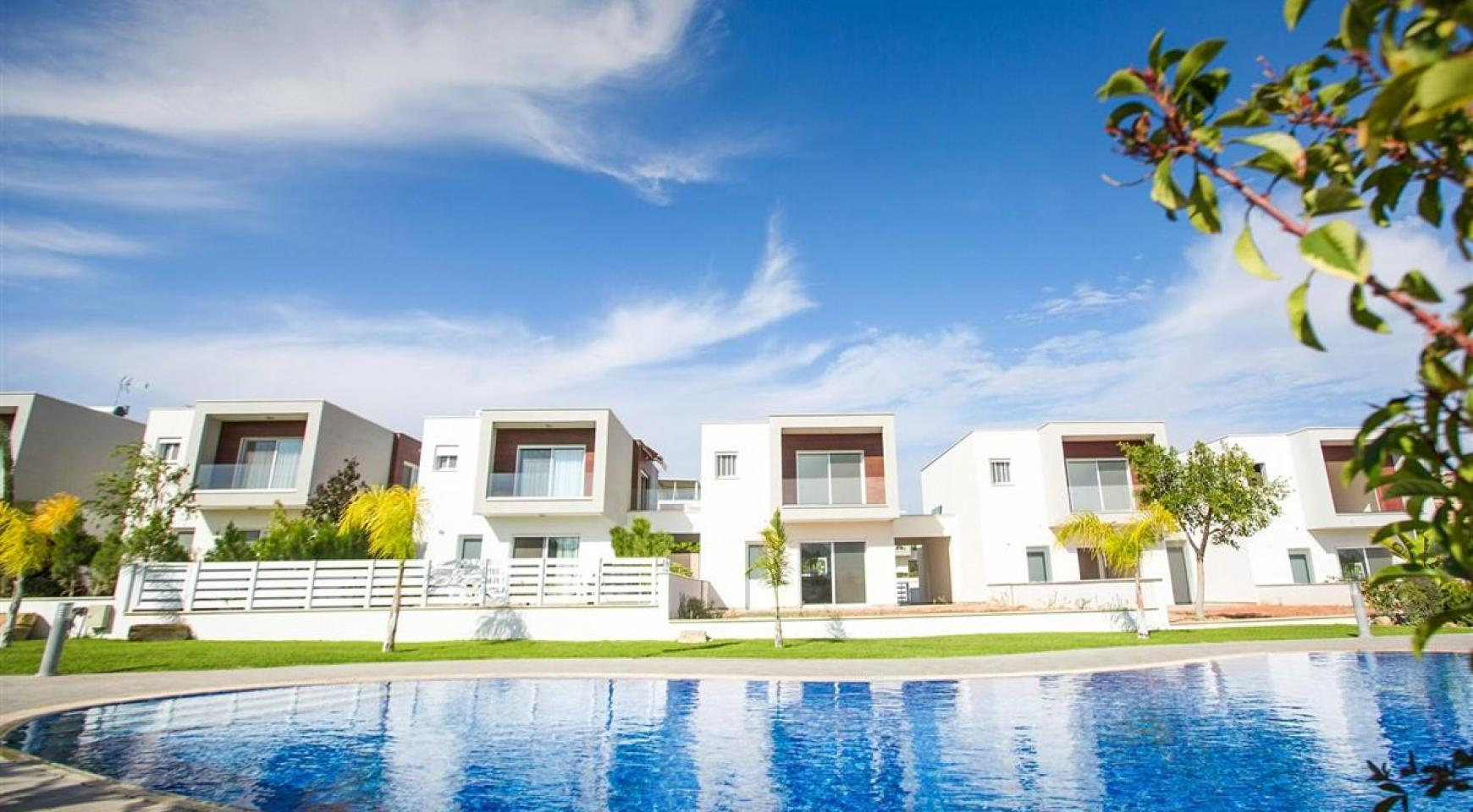 3 Bedroom Villa with Sea Views in Mouttagiaka - 4