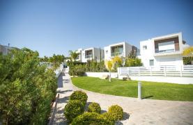 3 Bedroom Villa with Sea Views in Mouttagiaka - 36