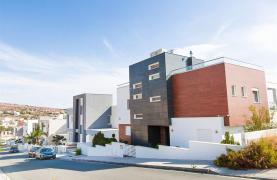 Modern 3 Bedroom Villa with Sea Views - 41