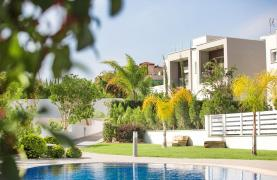 Modern 3 Bedroom Villa with Sea Views - 25