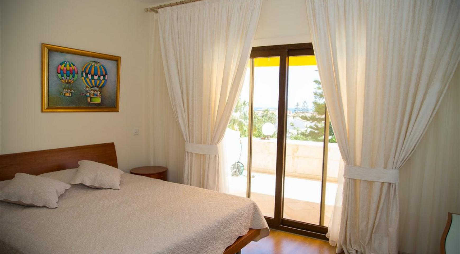 Αντίγραφο Luxury 3 Bedroom Apartment Thera 102 by the Sea - 12