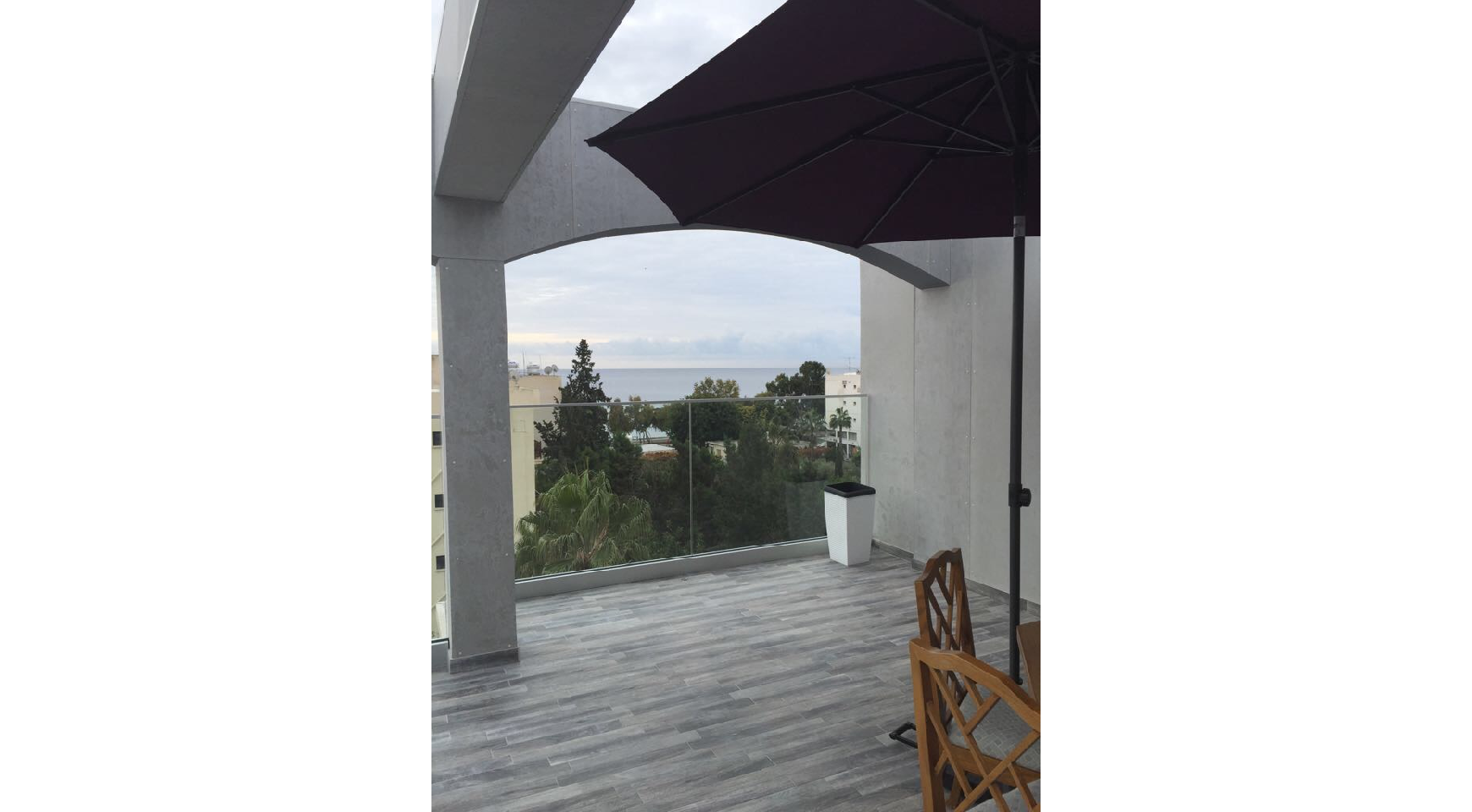Fully Renovated 3 Bedroom Penthouse near the Sea - 1
