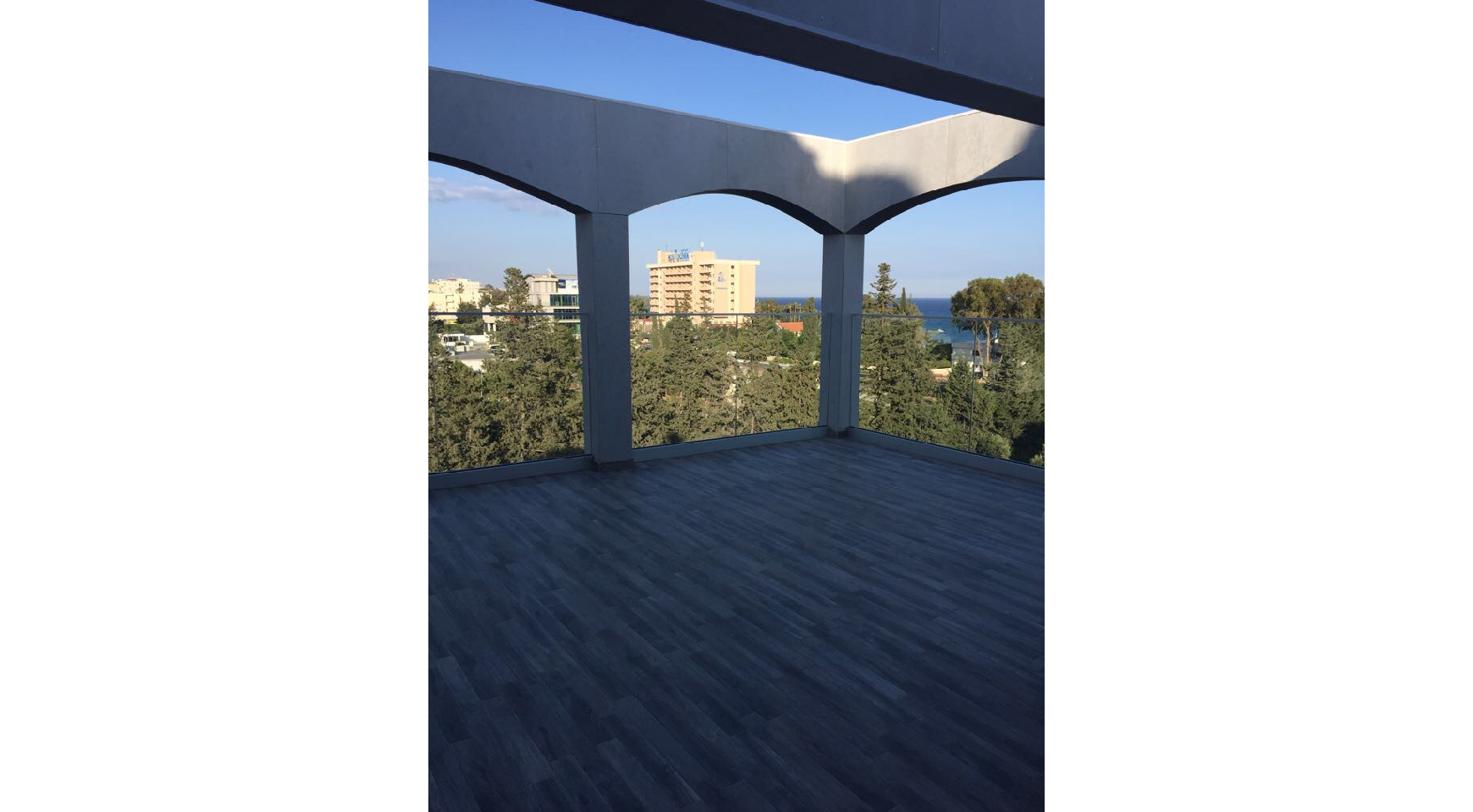 Fully Renovated 3 Bedroom Penthouse near the Sea - 3
