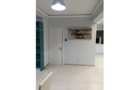Fully Renovated 3 Bedroom Penthouse near the Sea - 48